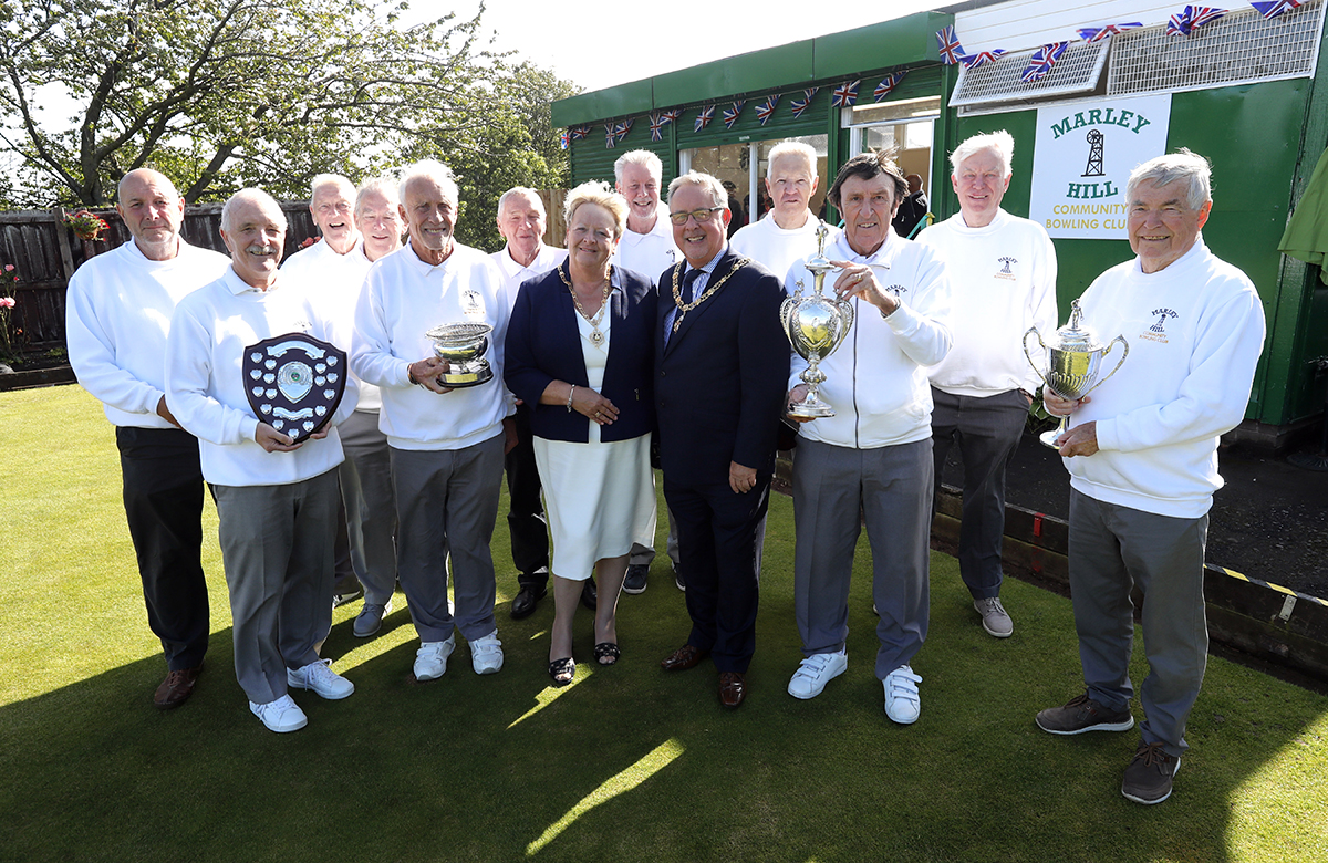 The Mayor and Mayoress with club members