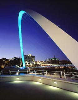 Gateshead Millennium Bridge at night
